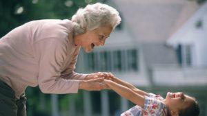 «Мои дети такими не были» или бабушка в период кризиса трех лет у ребенка.