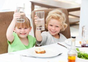 Чем поить ребенка?
