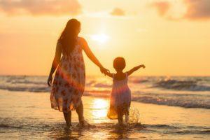 25 ноября 2018 — в России отмечают День Матери.