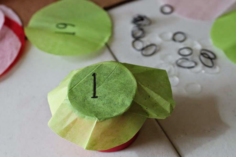 Адвент-календарь из втулки от туалетной бумаги.