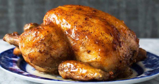 Как вкусно запечь курицу к праздничному столу?