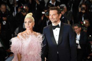 Всё таки любовь? Леди Гага переехала к Брэдли Куперу.