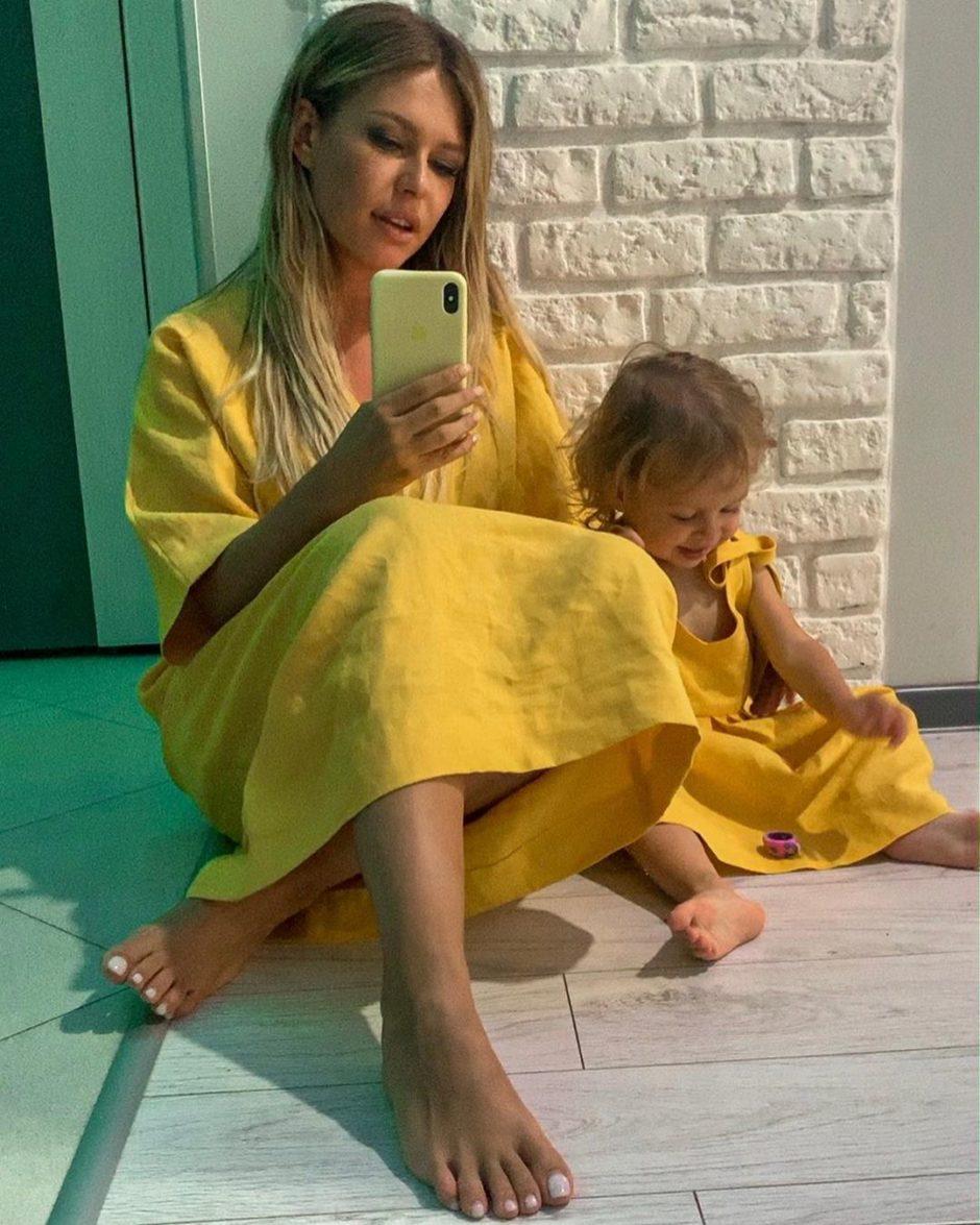 Рита Дакота провела весь день с дочкой Мией.