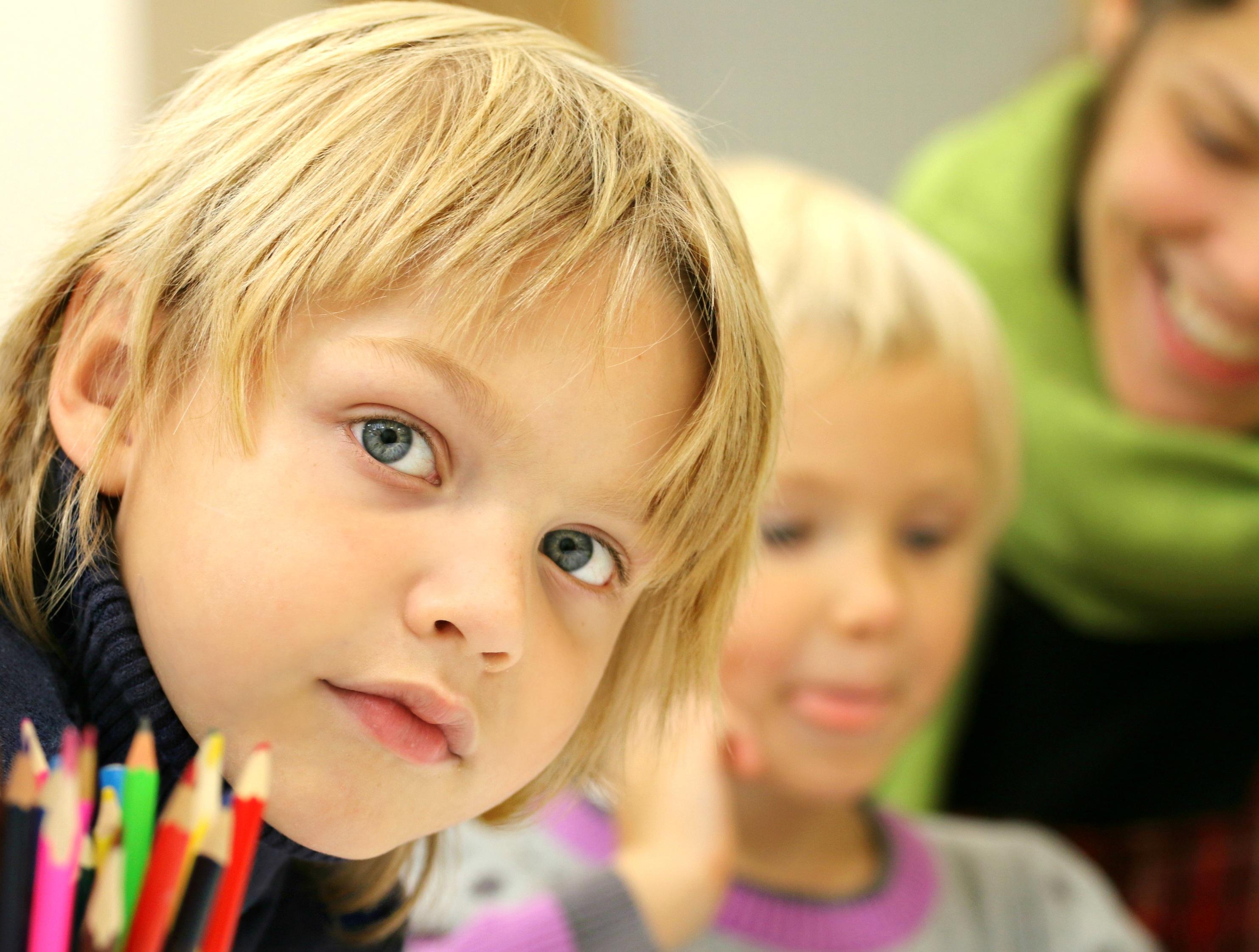 Первый раз в первый класс: Вопросы, помогающие первокласснику рассказать о новом дне в школе.