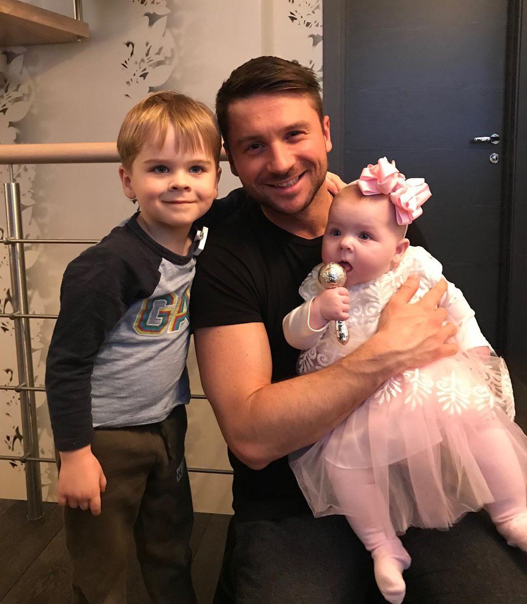 Сергей Лазарев показал свою дочь.