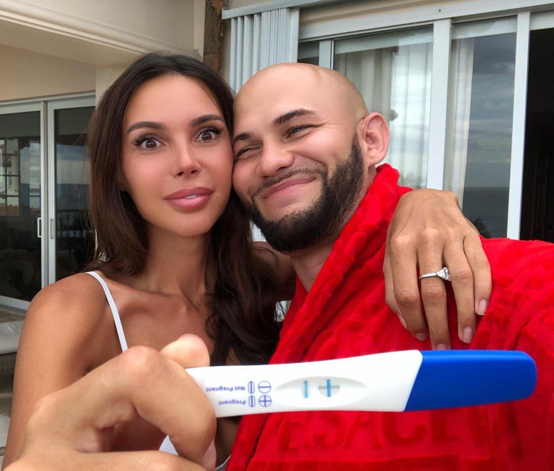 Оксана Самойлова о контроле мужа в беременность.