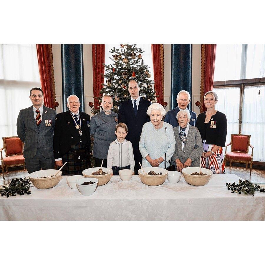 Чем принц Джордж очаровал прабабушку Елизавету перед ужином для всех членов семьи?