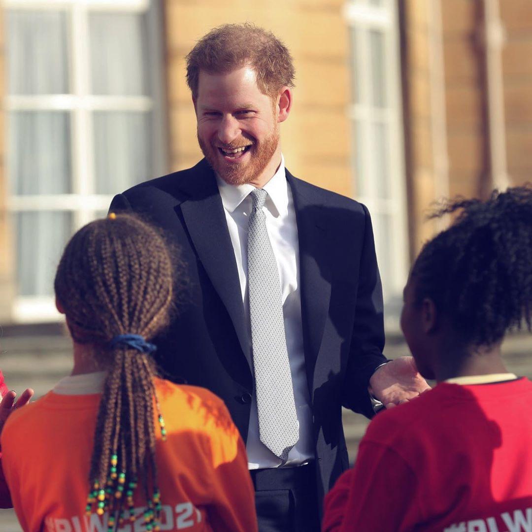"""""""Мы нашли выход"""" - Елизавета II завершила сделку с Меган Маркл и принцем Гарри."""