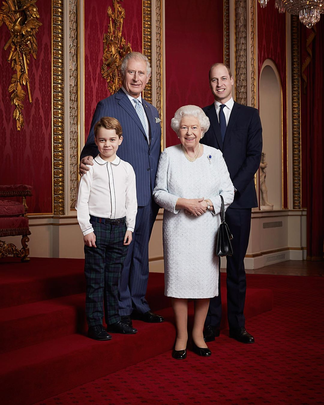 Новое десятилетие: Елизавета II и три наследника.