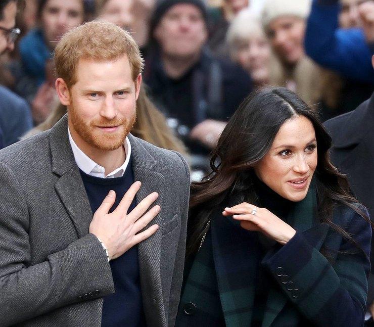 """""""Мы нашли выход"""" — Елизавета II завершила сделку с Меган Маркл и принцем Гарри."""