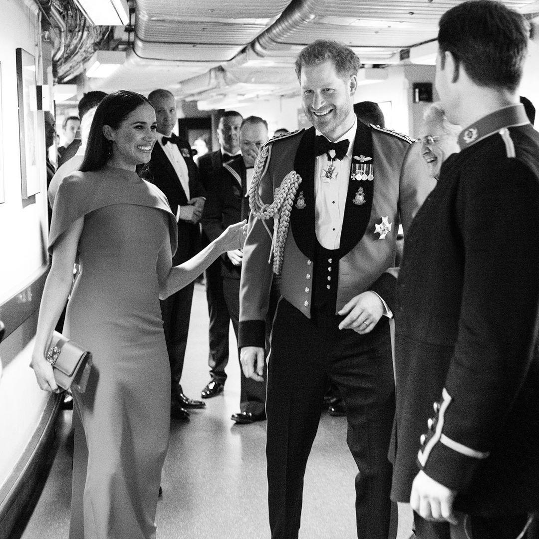 Меган Маркл выглядела по-королевски. Последний выход принца Гарри в военной форме в Альберт-холле.