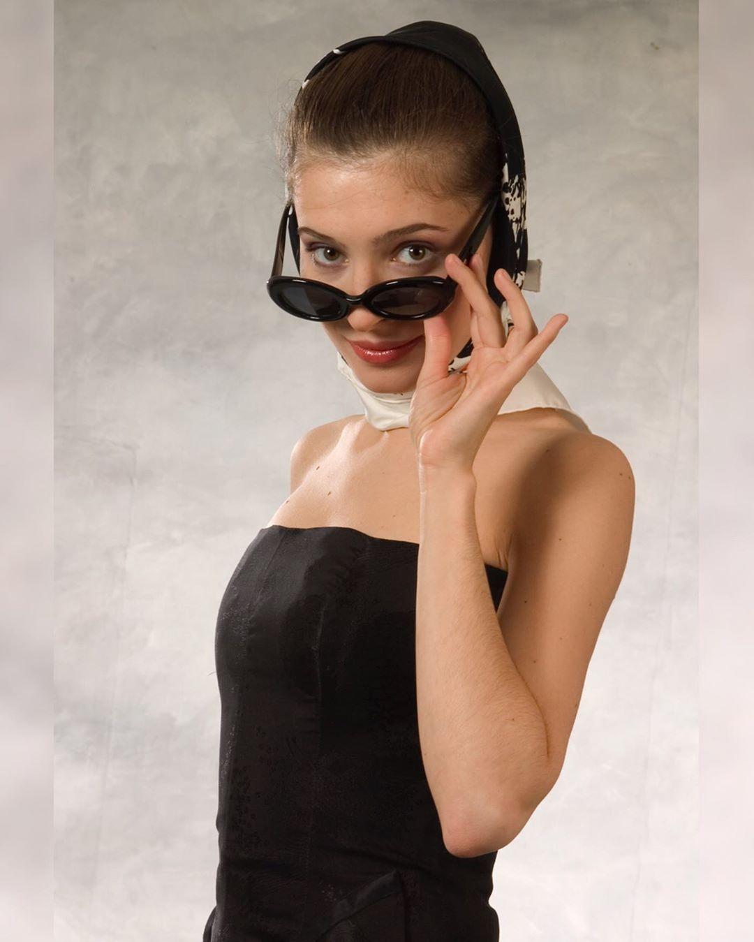 """""""Я сыграла так много проституток различной степени одетости"""" Елена Подкаминская показала откровенное фото"""